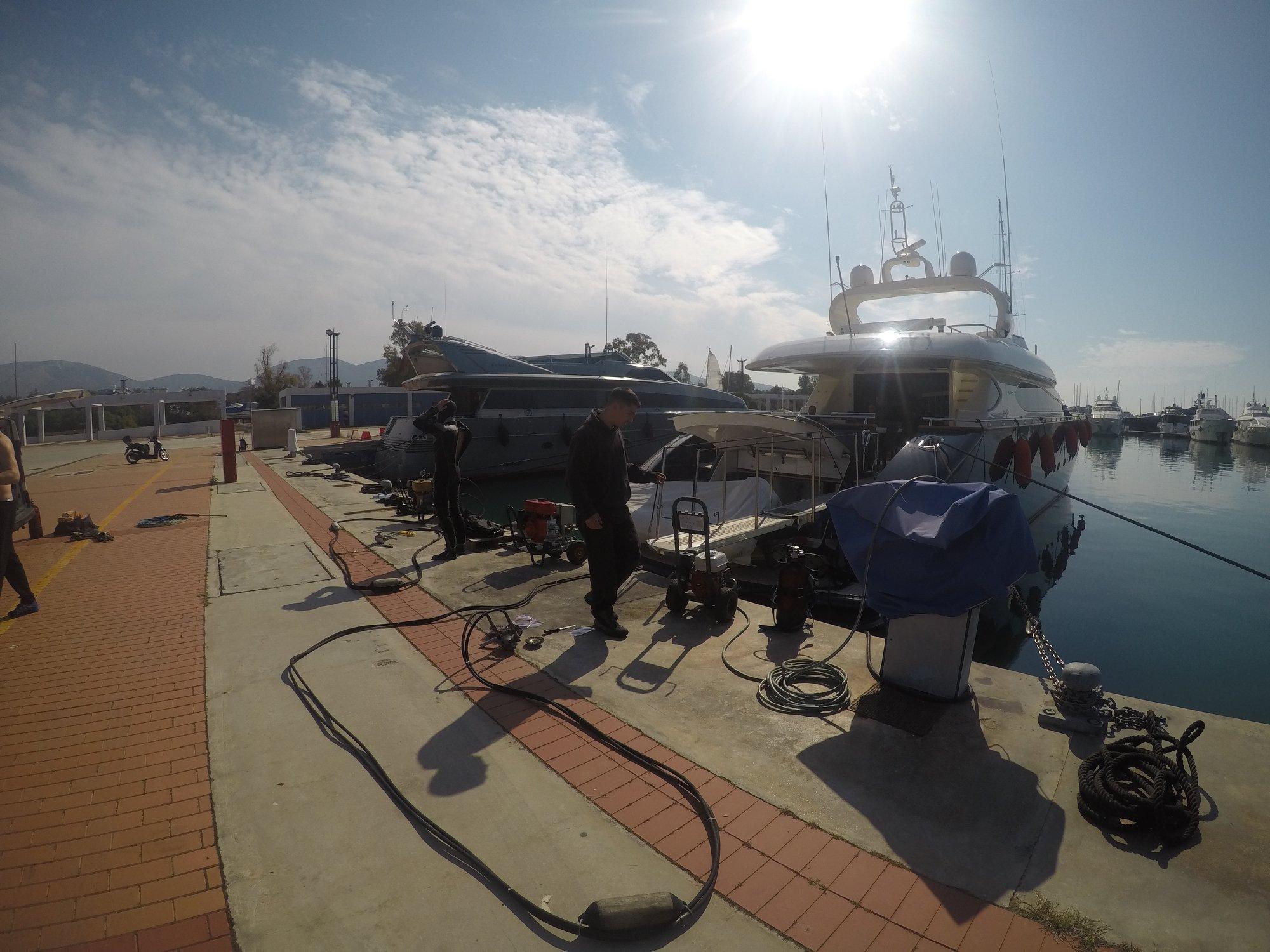 προετοιμασία γυάλισμα προπελών σκάφους