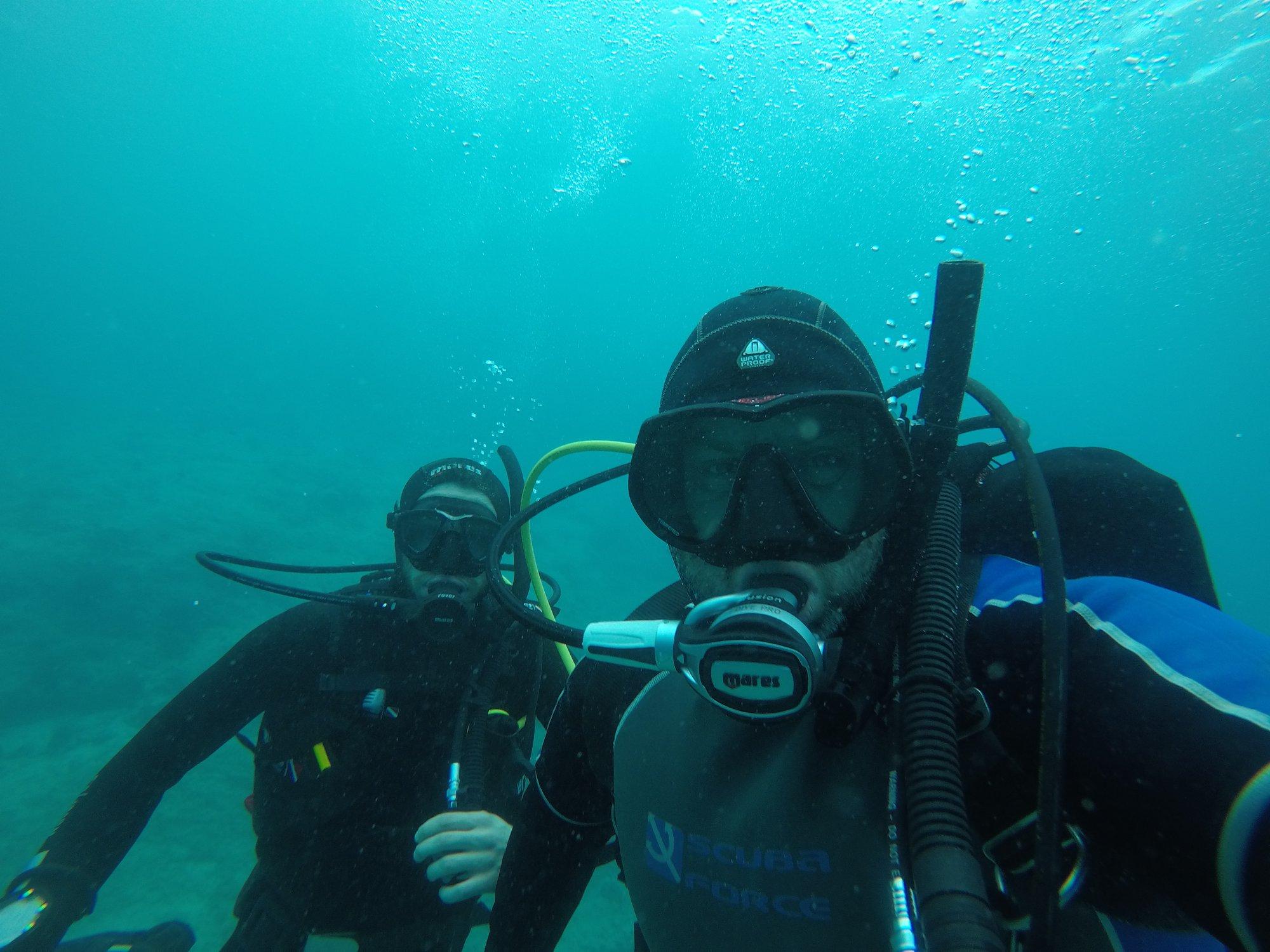 selfarontas underwater