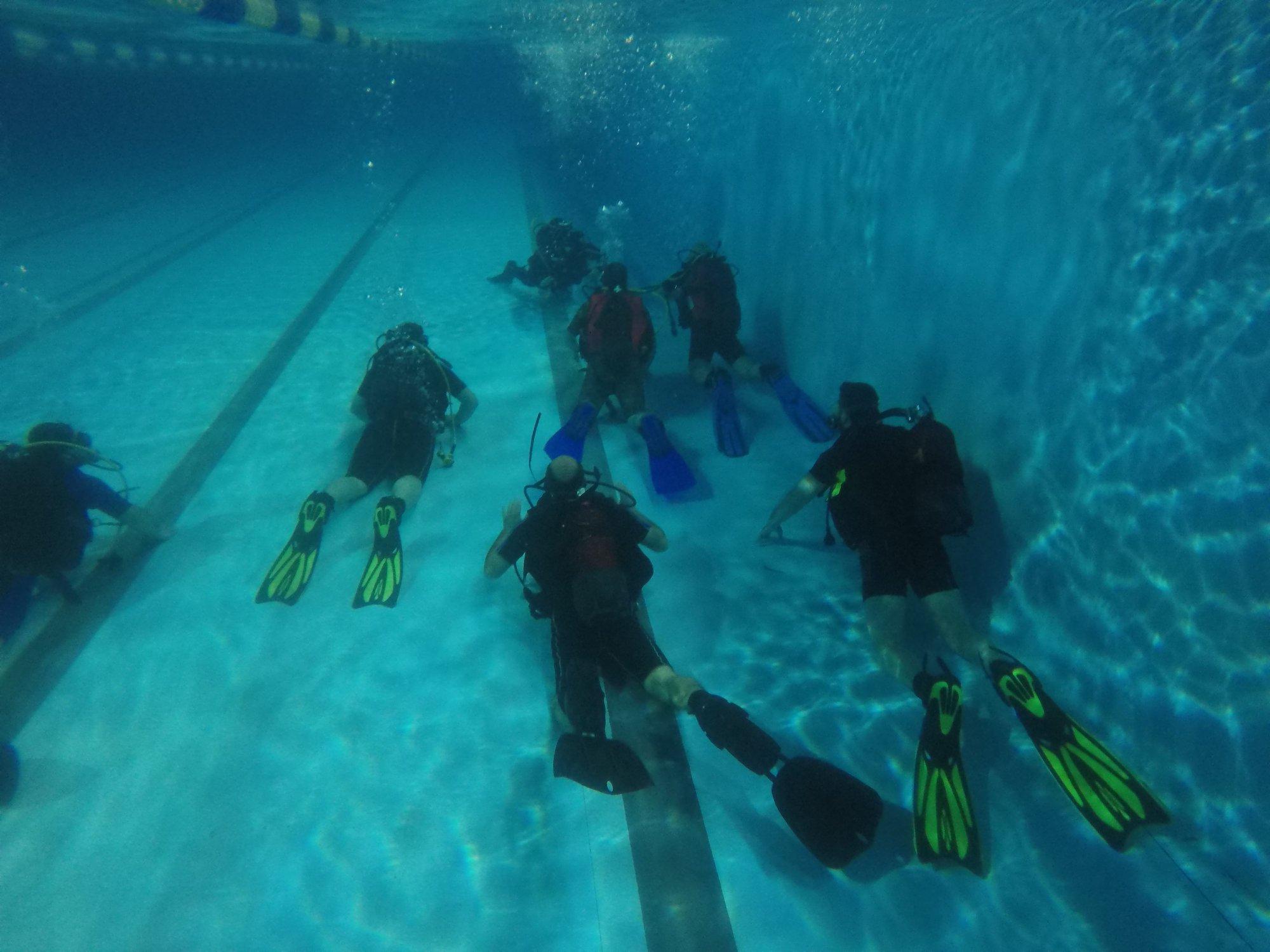 μαθήματα κατάδυσης για αρχαρίους σε πισίνα